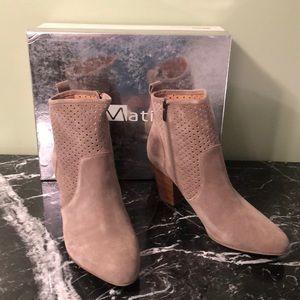 Matiko Marlin Booties Size 41